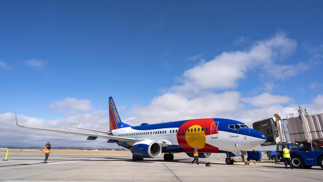Southwest Airlines planning to add new nonstop flight between Richmond and Denver in May, while JetBlue pauses West Coast flights in April   Business News [Video]